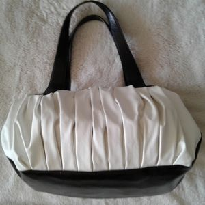 Simply Vera Wang white and black purse